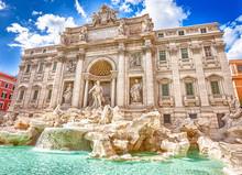 Spectacular Trevi Fountain, De...