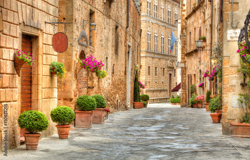 Fototapety, obrazy: Kolorowa ulica w Pienza, Tuscany, Włochy