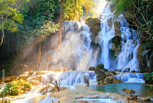 Fotobehang Bossen Kuang si waterfall in laos 2