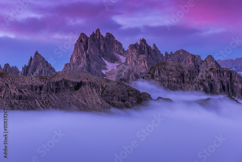 Crédence de cuisine en verre imprimé Aubergine Beautiful sunrise on the Dolomites