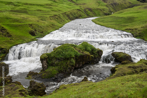 Papiers peints Riviere Skoga river and green meadow in Iceland