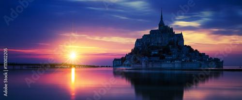 Fotografia, Obraz  Panoramic view of Mont-Saint-Michel at sunset