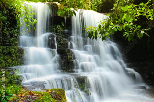 Foto op Canvas Waterfall in Phuhinrongkla National Park, Phitsalulok province, Thailand