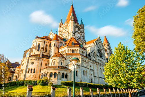 Photo St. Francis of Assisi Church near the Danube river in Vienna
