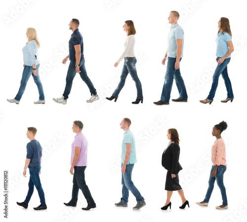 Fotografía  Group Of People Walking In Line