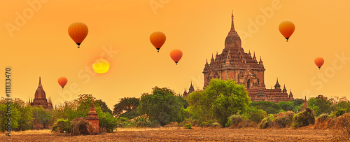 Htilominlo Temple in Bagan. Myanmar. Wallpaper Mural