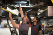 Autowerkstatt,Kfz-Werkstatt,Reparatur,Gemeinsam,arbeiten,Können,Zusammenarbeit