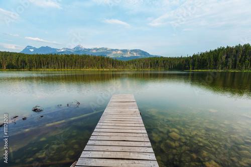 Fotobehang Bleke violet Lake in Canada