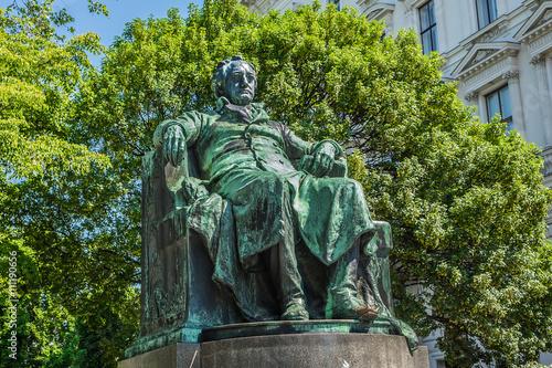 Fotografie, Obraz  Statue of writer Johann Wolfgang von Goethe. Vienna, Austria.