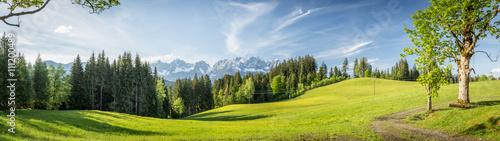 In de dag Panoramafoto s Panorama mit Blick auf die Berge Wilder Kaiser