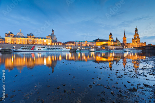 Foto op Canvas Praag View of the old town of Dresden over river Elbe, Germany.