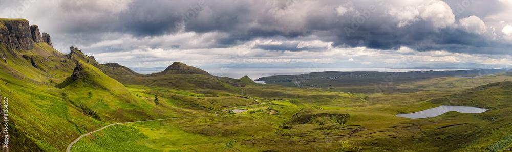Fototapeta Panorama of the Quiraing mountain range