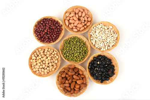 Job's tears, Soy beans, Red beans, black beans, Peanut, pine nut, Almond and green beans with the health benefits of whole grains.