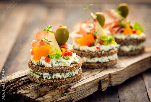 Poster de jardin Buffet, Bar Canapes with prosciutto and cheese