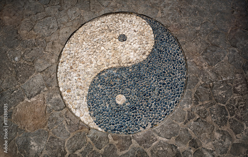 Photo  Yin Yang Symbol in mosaic floor
