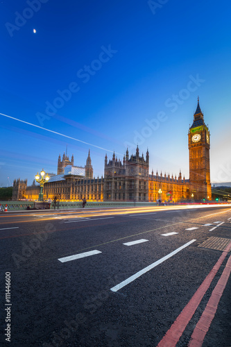 Fotobehang Londen rode bus Big Ben and Palace of Westminster in London at night, UK