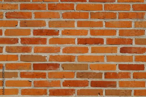 Mur z czerwonej cegły