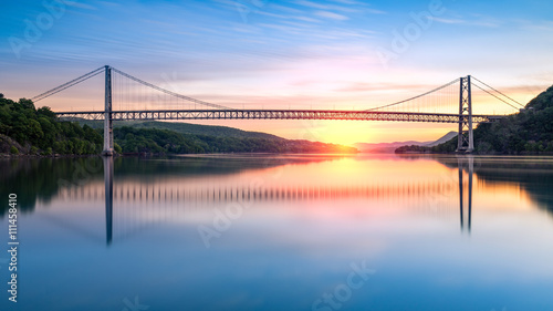 Fotografie, Tablou  Bear Mountain Bridge at sunrise (long exposure)