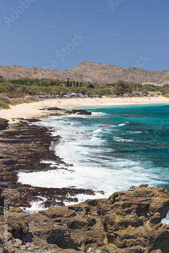 Fotografia, Obraz  Distant view of Sandy Beach Park on Oahu