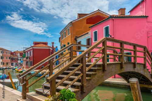 Obraz Kolorowa wioska Burano w Wenecji - fototapety do salonu