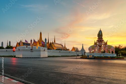 Aluminium Prints Bangkok Grand palace and Wat phra keaw at sunset in Bangkok