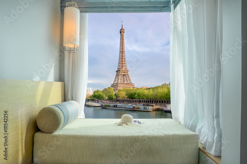 Poster de jardin Paris Summer, Travel, Vacation and Holiday concept - Beautiful Eiffel