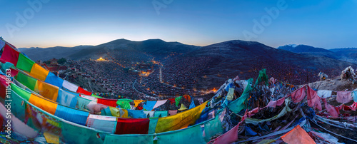 Panorama top view at Larung gar (Buddhist Academy) in Sichuan, China Billede på lærred