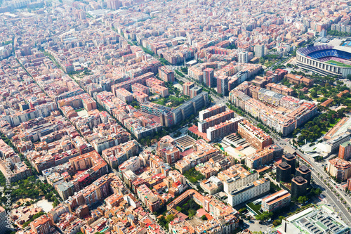 Photo  residential  district in Barcelona from helicopter