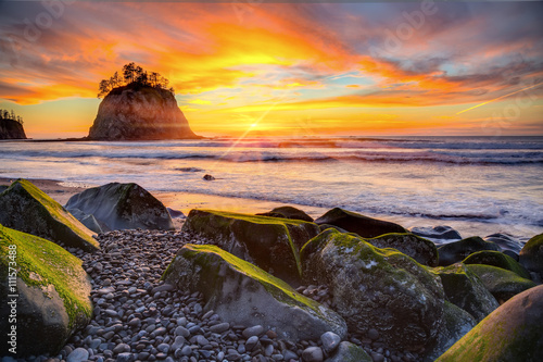 Fotografie, Obraz  Sunset over the Pacific coast at Rialto beach near La Push in Olympic National P