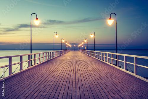 Fototapeta Piękny kolorowy wschód słońca nad Bałtykiem obraz