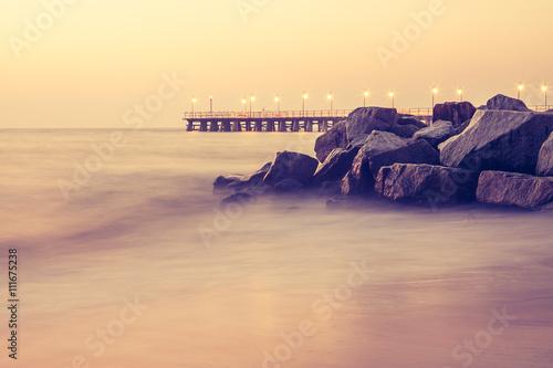 Obraz Piękny kolorowy wschód słońca nad Bałtykiem - fototapety do salonu
