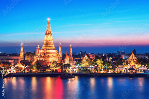 Wat Arun night view Temple in bangkok, Thailand Canvas Print