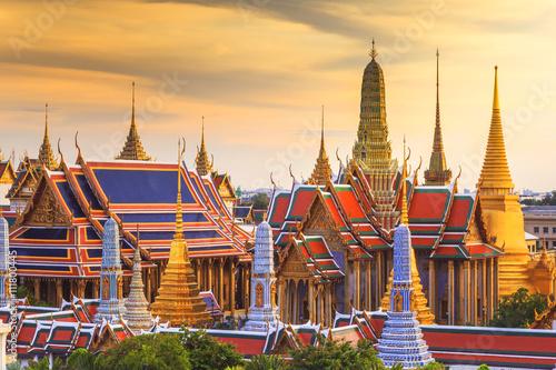 Poster Bangkok Grand palace and Wat phra keaw at sunset , landmark of Bangkok