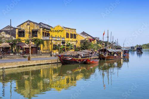 Fotografie, Obraz  Tradiční čluny na čtv Bon řeky v Hoi An starověké město, středním Vietnamu