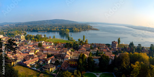 Vászonkép panoramic view of the city from above with views of the lake and mountains