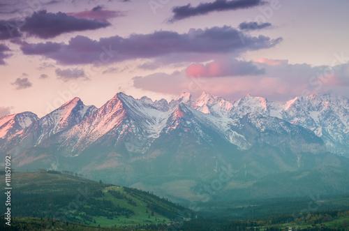 Foto auf Gartenposter Gebirge Beautiful spring panorama over Spisz highland to snowy Tatra mountains in the morning, Poland