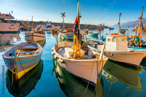 Photo sur Aluminium Ligurie Old Mediterranean Town - marina harbor with fish boats