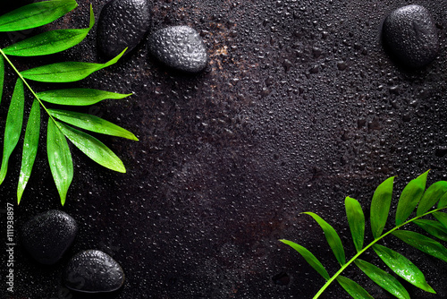 La pose en embrasure Spa Dark spa background