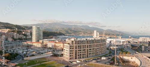 Photo sur Aluminium Ligurie Savona: panorama della zona portuale vista dal castello del Priamar