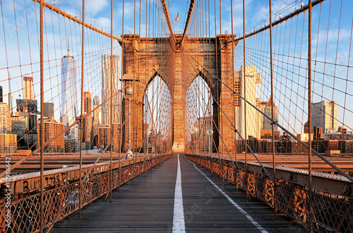 Fényképezés  Brooklyn Bridge at sunrise, New York City , Manhattan