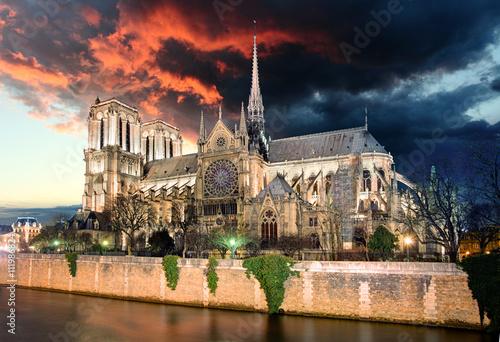 Obraz na płótnie Paris - Notre Dame at sunrise, France