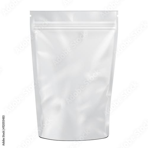 Fotografía White Blank Foil Food or Drink pack Bag Vector EPS10