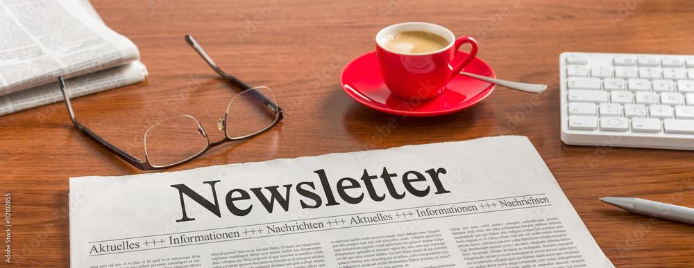 Fototapety, obrazy: Zeitung auf Schreibtisch - Newsletter