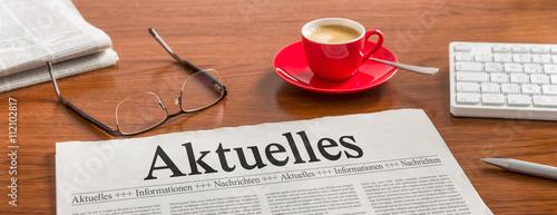 Cuadros en Lienzo Zeitung auf Schreibtisch - Aktuelles