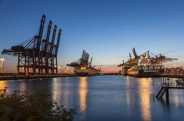Containerhafen Hamburg w zachodzie słońca