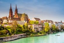 Basel, Rheinufer Und Münster, Schweiz