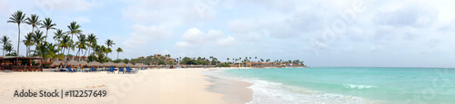 fototapeta na lodówkę Panorama from Manchebo beach on Aruba island in the Caribbean se