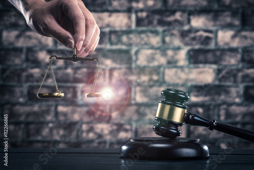 Fotografia, Obraz  裁判官のハンマーと天秤