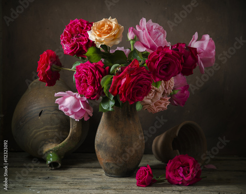 Fotografía  Todavía vida con las rosas
