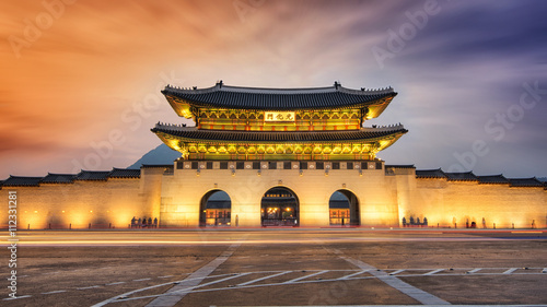 Photo sur Aluminium Seoul SEOUL,South Korea - MAY 22: Gwanghwamun gate at Geyongbokgung Pa